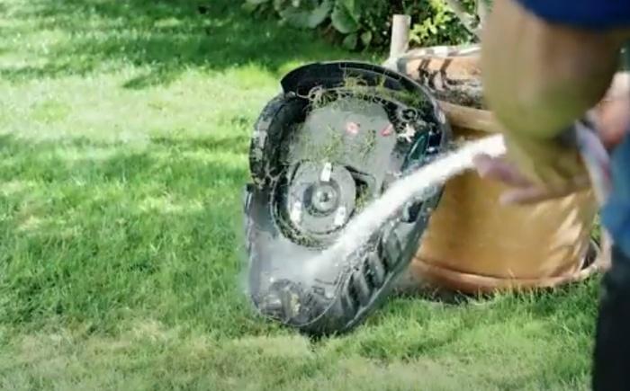 Nettoyage à l'eau du Robot de Jardin autonome